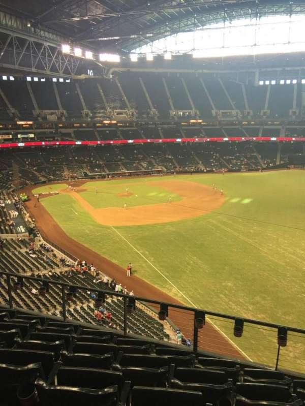 Chase Field, secção: 301, fila: 6, lugar: 7