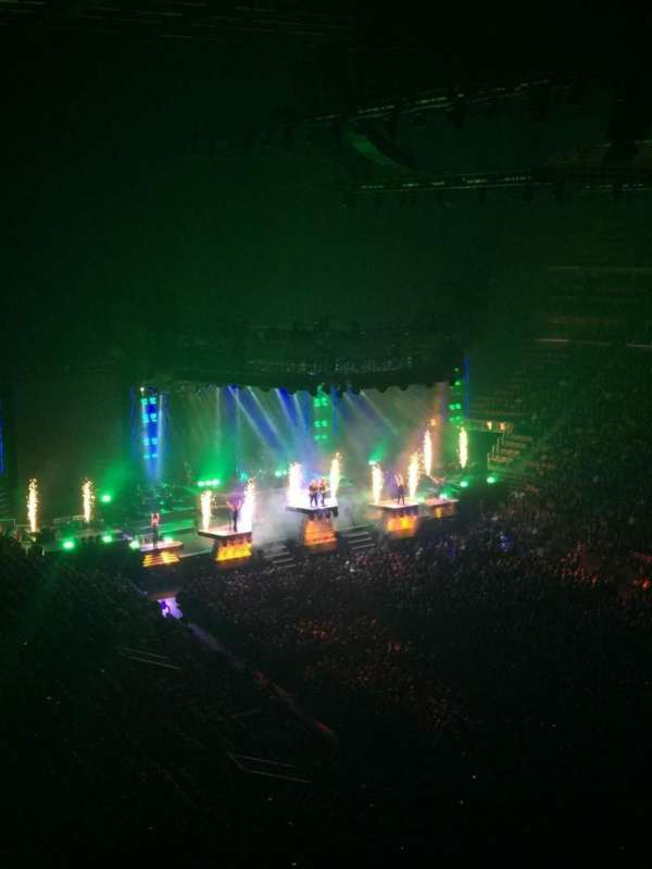 Little Caesars Arena, secção: 223, fila: 1, lugar: 5