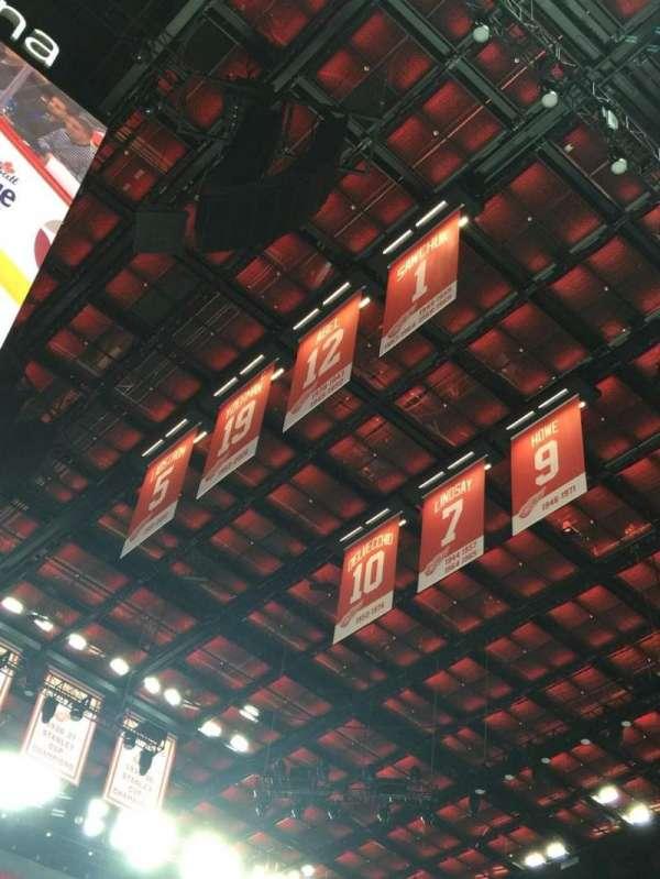 Little Caesars Arena, secção: 122, fila: 7, lugar: 1