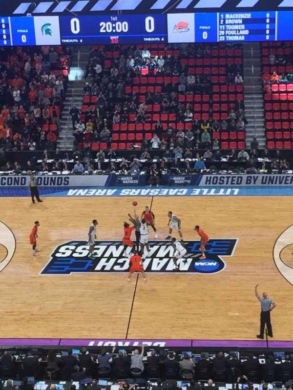 Little Caesars Arena, secção: M28, fila: 4, lugar: 2