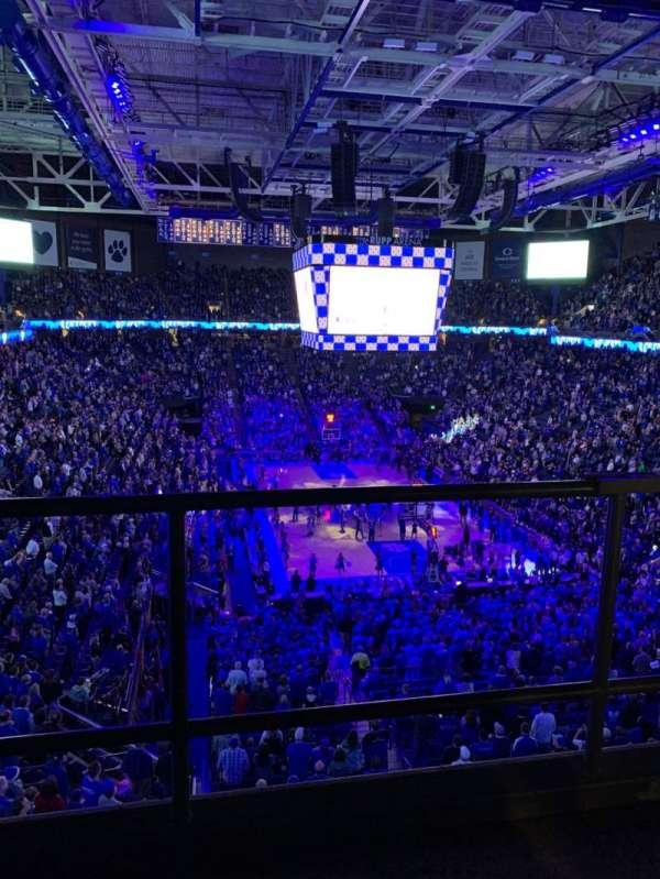 Rupp Arena, secção: 241, fila: C, lugar: 3