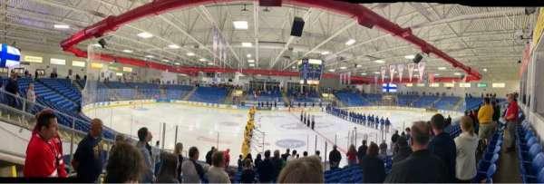 USA Hockey Arena, secção: 113, fila: M, lugar: 12