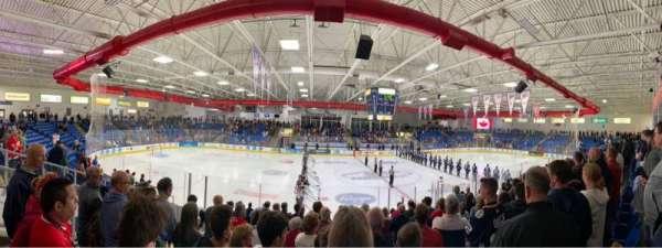 USA Hockey Arena, secção: 113, fila: M, lugar: 13