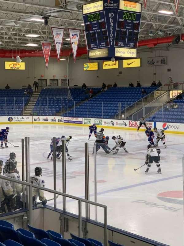 USA Hockey Arena, secção: 101, fila: J, lugar: 10
