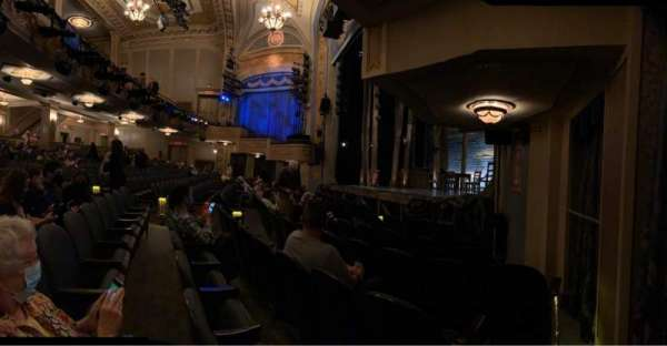Gerald Schoenfeld Theatre, secção: Orchestra R, fila: F, lugar: 22