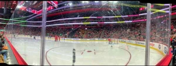 Little Caesars Arena, secção: 106, fila: 1, lugar: 8
