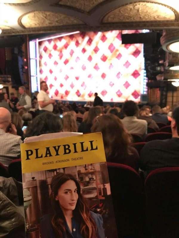 Brooks Atkinson Theatre, secção: Orchestra R, fila: P, lugar: 26