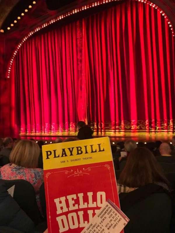 Shubert Theatre, secção: Orchestra R, fila: J, lugar: 8