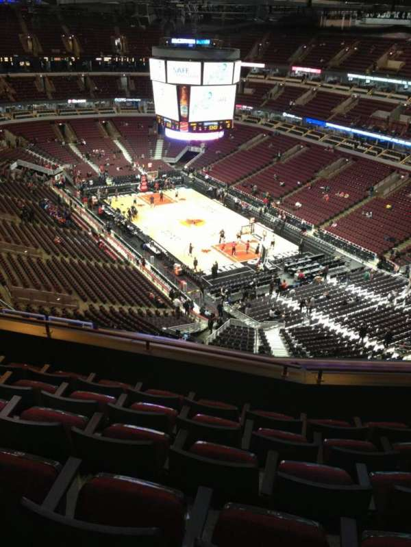 United Center, secção: 329, fila: 13, lugar: 13