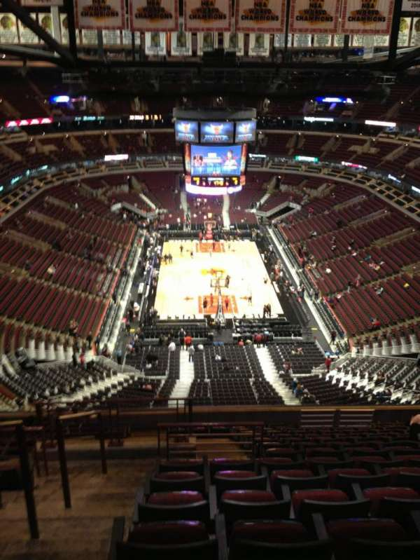 United Center, secção: 326, fila: 15, lugar: 15