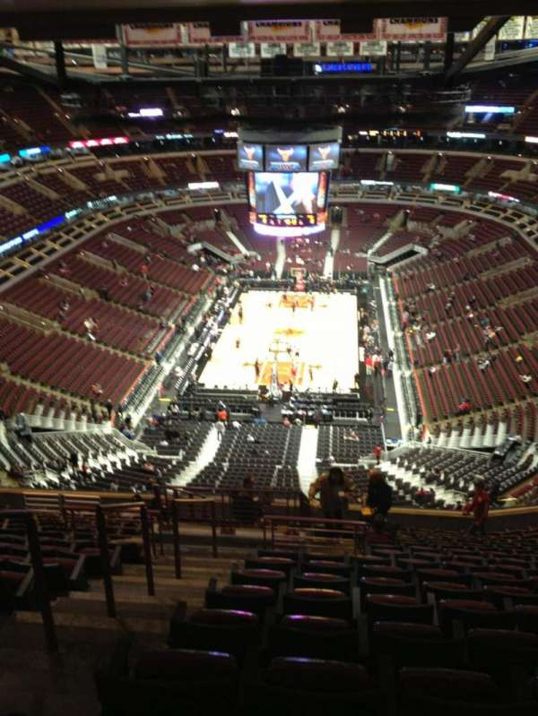 United Center, secção: 325, fila: 17, lugar: 22