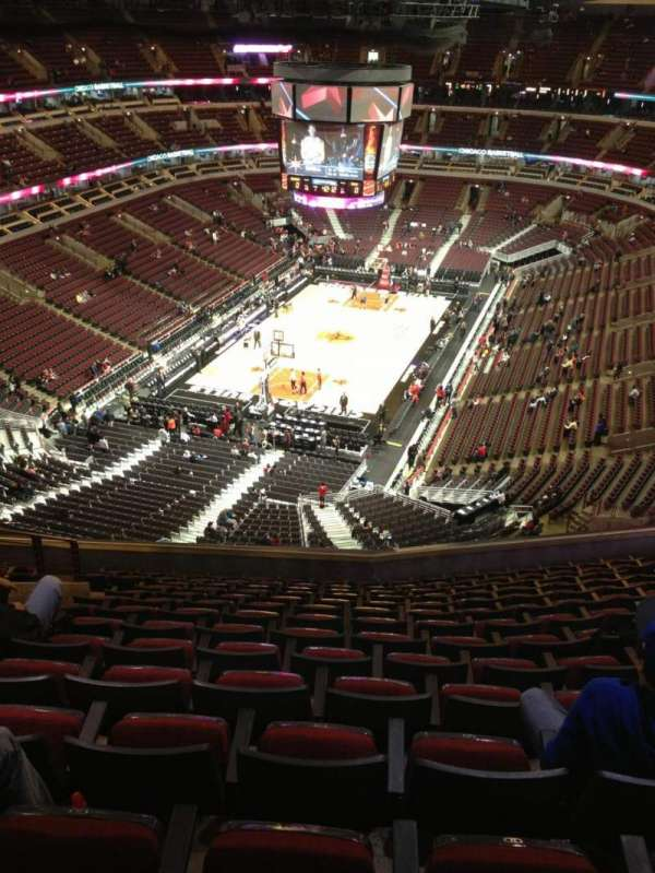United Center, secção: 324, fila: 14, lugar: 15