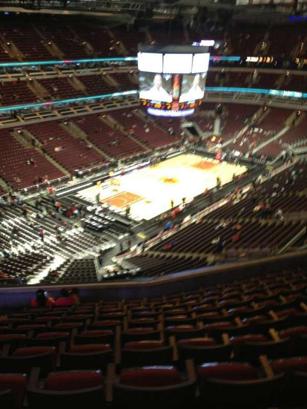 United Center, secção: 322, fila: 11, lugar: 15