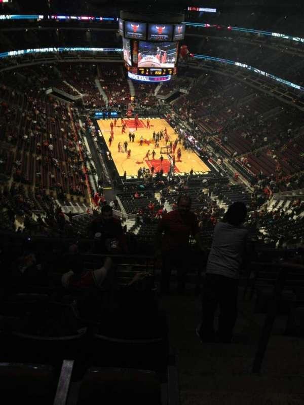 United Center, secção: 311, fila: 14, lugar: 1