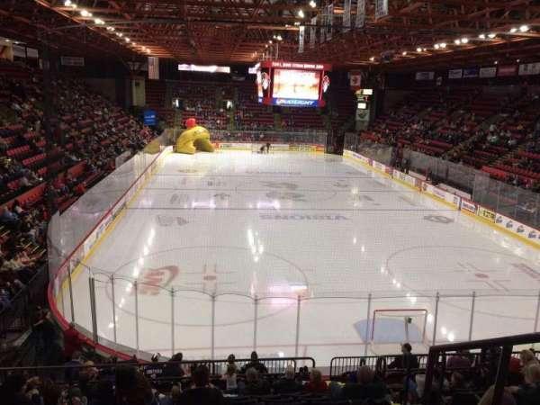 Floyd L. Maines Veterans Memorial Arena, secção: 23, fila: J, lugar: 1
