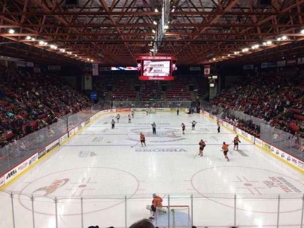 Floyd L. Maines Veterans Memorial Arena, secção: 22, fila: J, lugar: 14