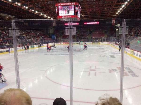 Floyd L. Maines Veterans Memorial Arena, secção: 21, fila: DD, lugar: 8