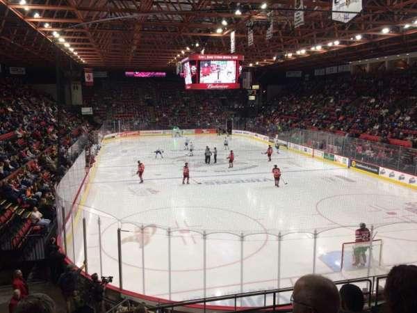 Floyd L. Maines Veterans Memorial Arena, secção: 9, fila: H, lugar: 8