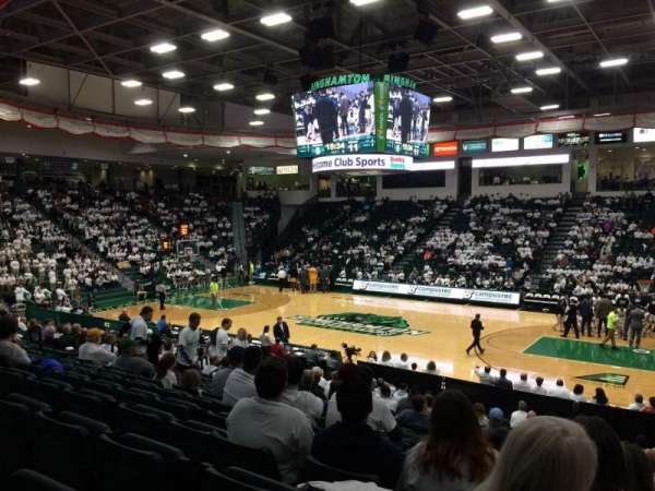 Binghamton University Events Center, secção: 116, fila: U, lugar: 18