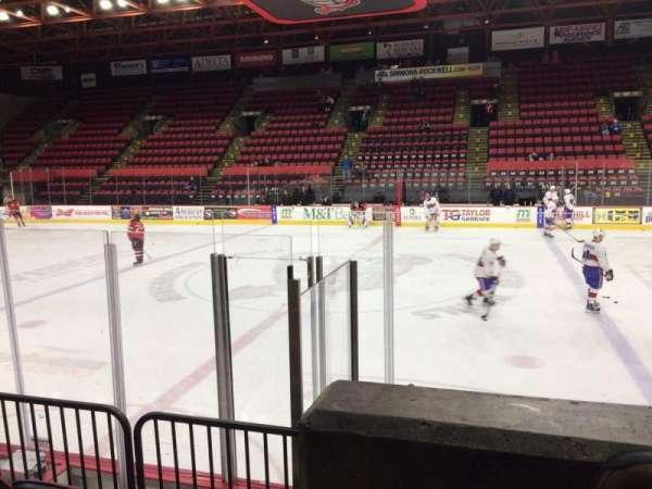 Floyd L. Maines Veterans Memorial Arena, secção: 28, fila: A, lugar: 14