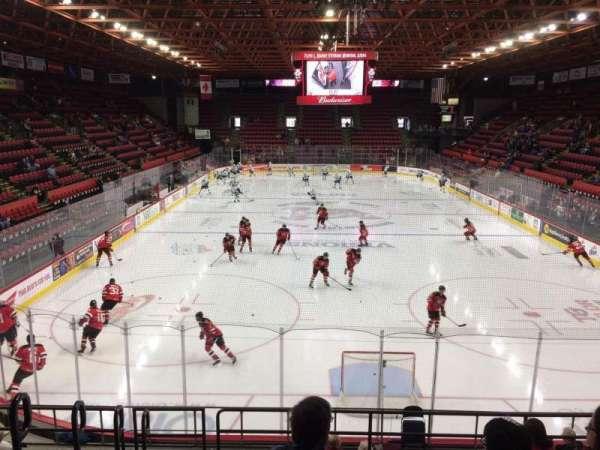 Floyd L. Maines Veterans Memorial Arena, secção: 8, fila: H, lugar: 15