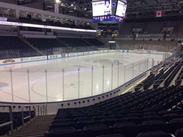 Pegula Ice Arena, secção: 112, fila: N, lugar: 27