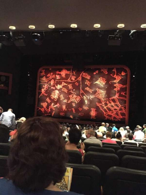 Minskoff Theatre, secção: Orchestra C, fila: T, lugar: 128