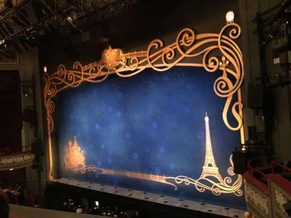 Broadhurst Theatre, secção: Mezzanine R, fila: B, lugar: 24