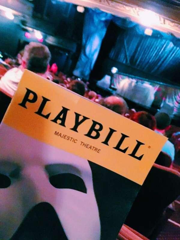 Majestic Theatre, secção: Orchestra C, fila: T, lugar: 114