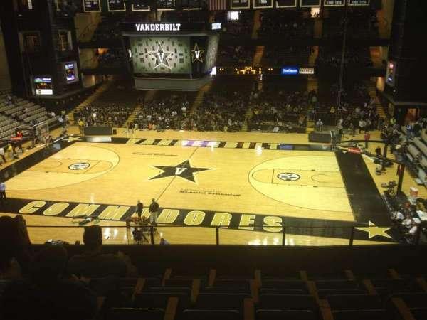 Memorial Gymnasium (Vanderbilt), secção: 3B, fila: 6, lugar: 4