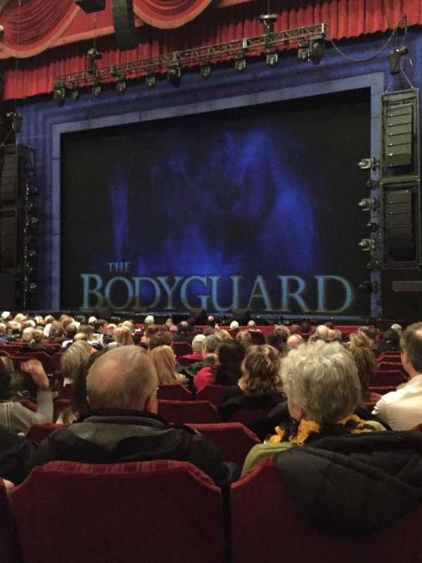 Nederlander Theatre (Chicago), secção: Orchestra R, fila: R, lugar: 8