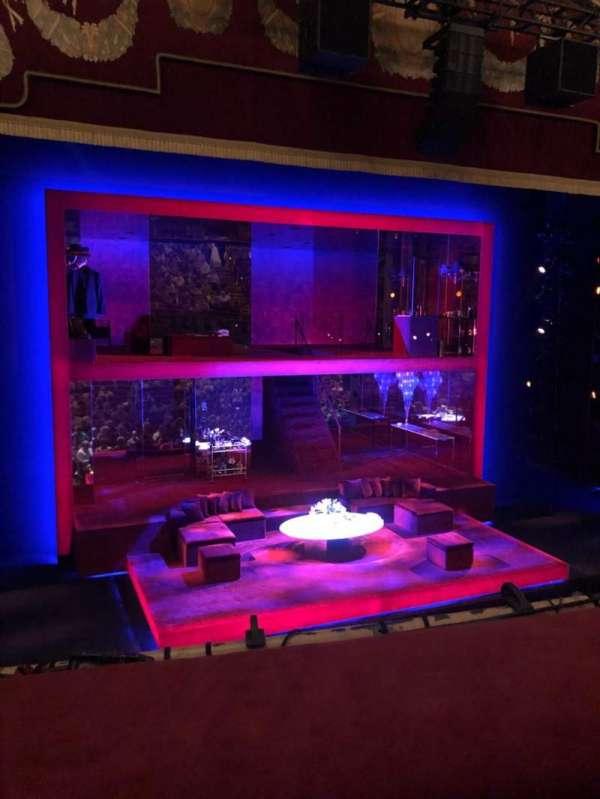 Booth Theatre, secção: Mezzanine L, fila: A, lugar: 1