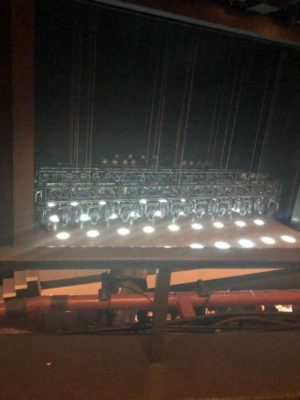 Lunt-Fontanne Theatre, secção: Mezz, fila: A, lugar: 5