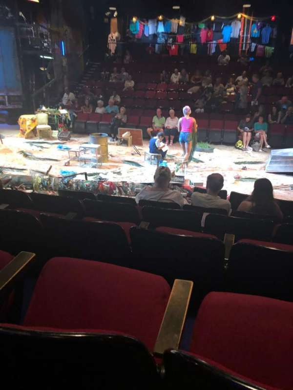 Circle in the Square Theatre, secção: Orch, fila: E, lugar: 29