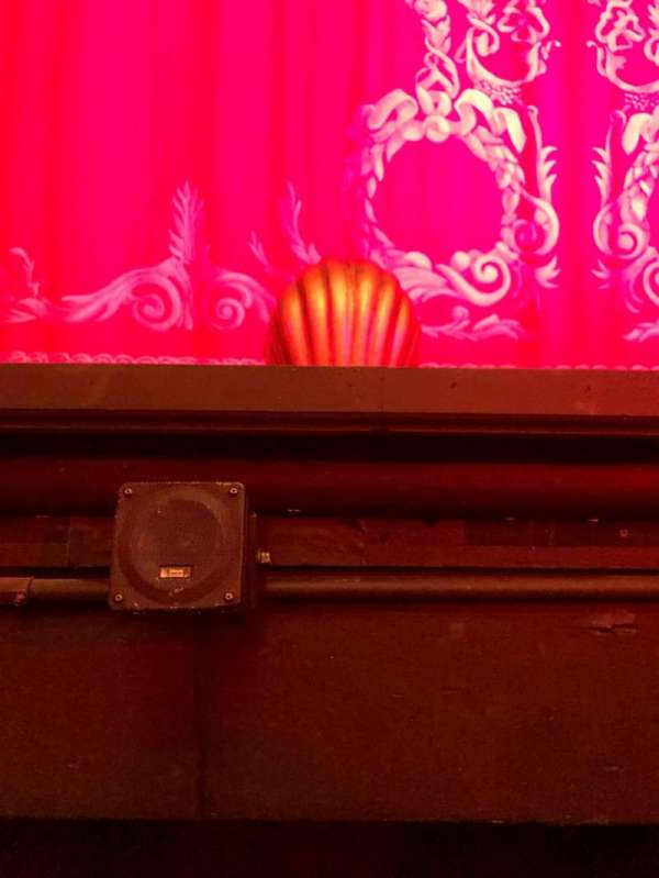 Hudson Theatre, secção: Orchestra C, fila: A, lugar: 105