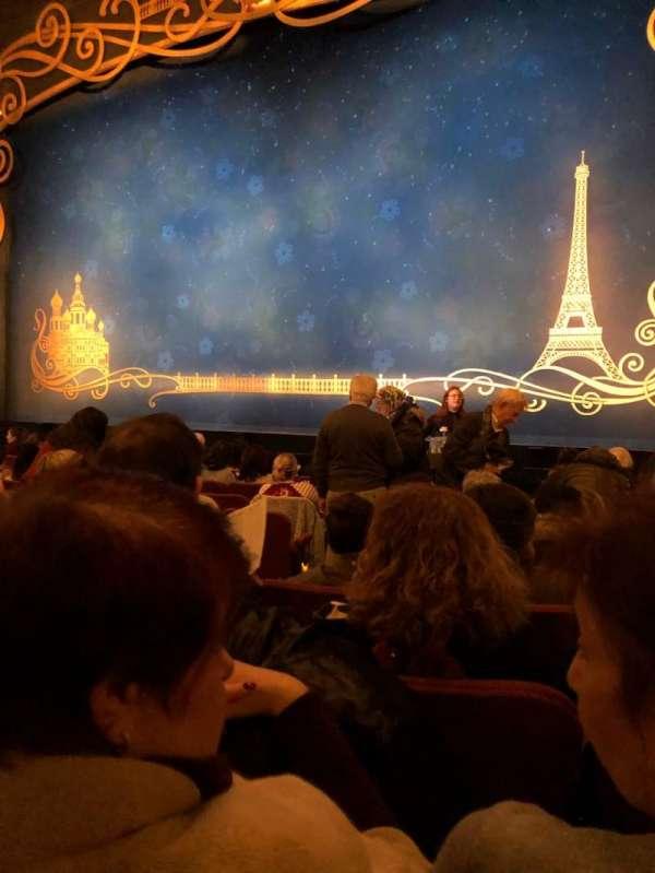 Broadhurst Theatre, secção: Orchestra R, fila: K, lugar: 6