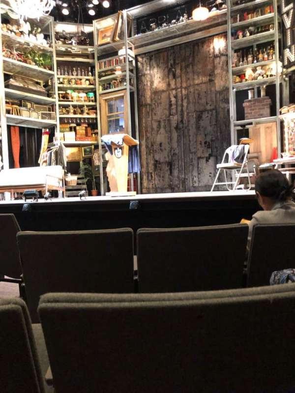 Laura Pels Theatre, secção: Orch, fila: E, lugar: 4