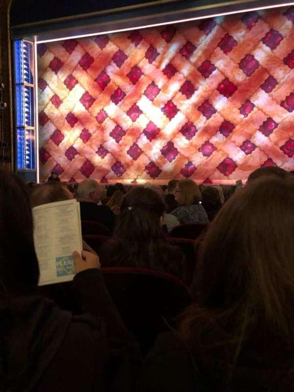 Brooks Atkinson Theatre, secção: Orch, fila: K, lugar: 113