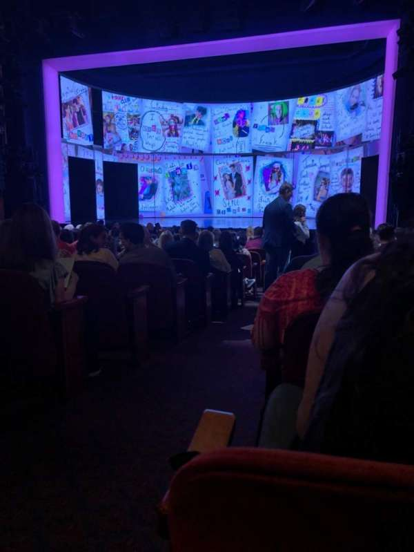 August Wilson Theatre, secção: Orch, fila: Q, lugar: 2