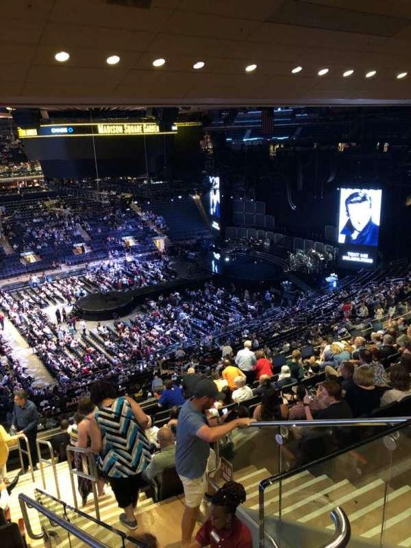 Madison Square Garden, secção: 209, fila: 12, lugar: 21
