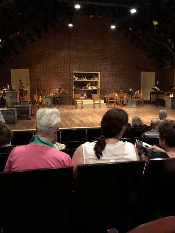 Linda Gross Theater, secção: Orch, fila: F, lugar: 15