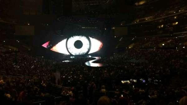Staples Center, secção: 209, fila: 4, lugar: 1