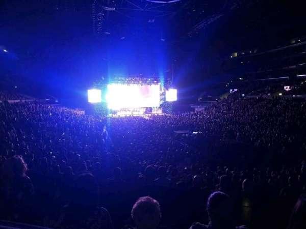 Staples Center, secção: 209, fila: 5, lugar: 5