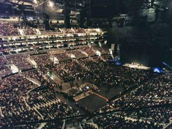 Staples Center, secção: 305, fila: 2, lugar: 3