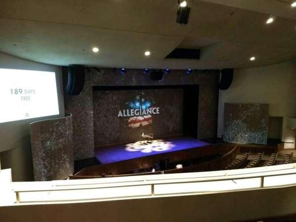 Aratani Theatre, secção: Balcony, fila: CC, lugar: 43
