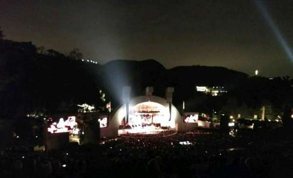 Hollywood Bowl, secção: U2, fila: 3, lugar: 111