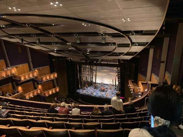 Ahmanson Theatre, secção: Balcony , fila: J, lugar: 1