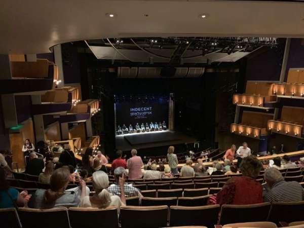 Ahmanson Theatre, secção: Mezz Left, fila: L, lugar: 44