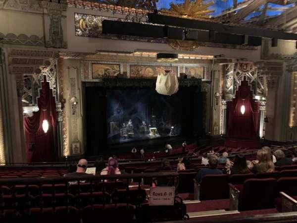 Hollywood Pantages Theatre, secção: Mezz Left, fila: J, lugar: 5