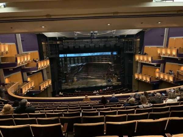 Ahmanson Theatre, secção: Mezzanine, fila: M, lugar: 26
